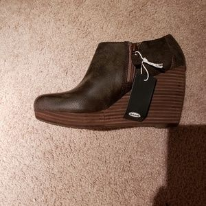 NWT Dr Scholl's Hailey wedge booties